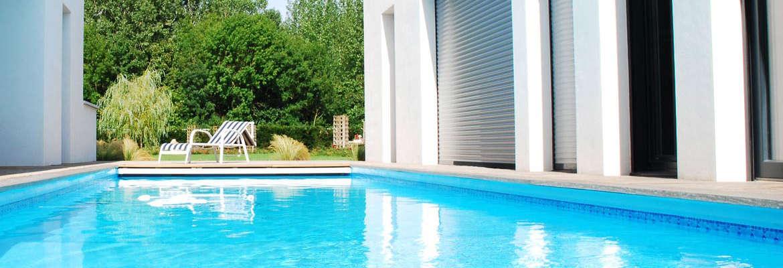 constructeur piscine ajaccio. Black Bedroom Furniture Sets. Home Design Ideas