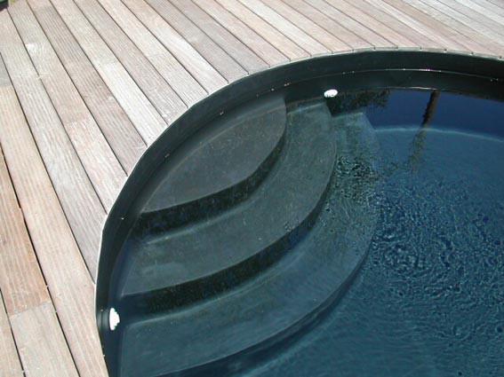 escalier sous liner espace piscines
